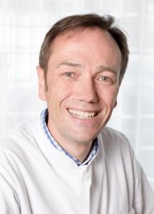 <b>Ulrich Potthoff</b> - b-0238_13x18-216x300